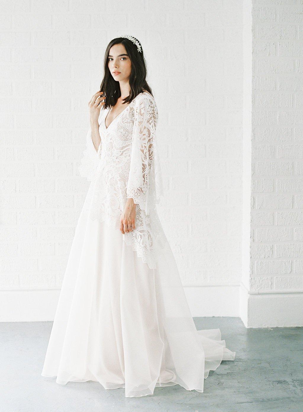 043cd6a77f6f Moderne brudekjoler i boheme stil