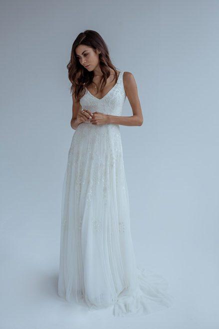 Karen Willis Holmes Brudekjole med perlebroderi