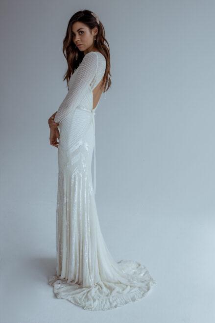 Karen Willis Holmes brudekjole langeaermer