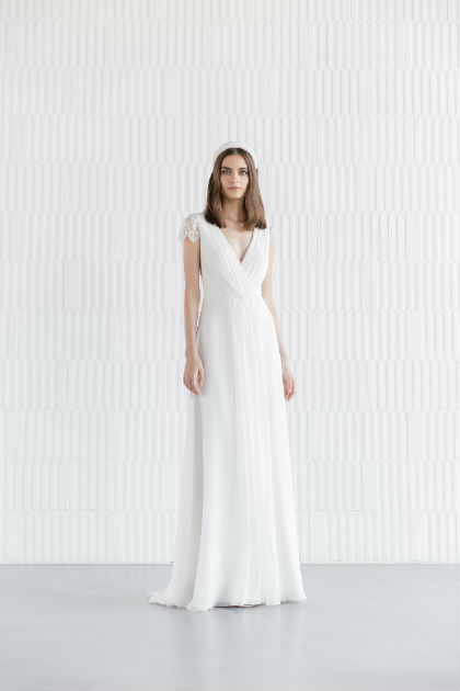 Alana brudekjole fra Divine Atelier med blonde ærme